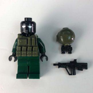 Jericho-Joe-Brick-rifle-helmet